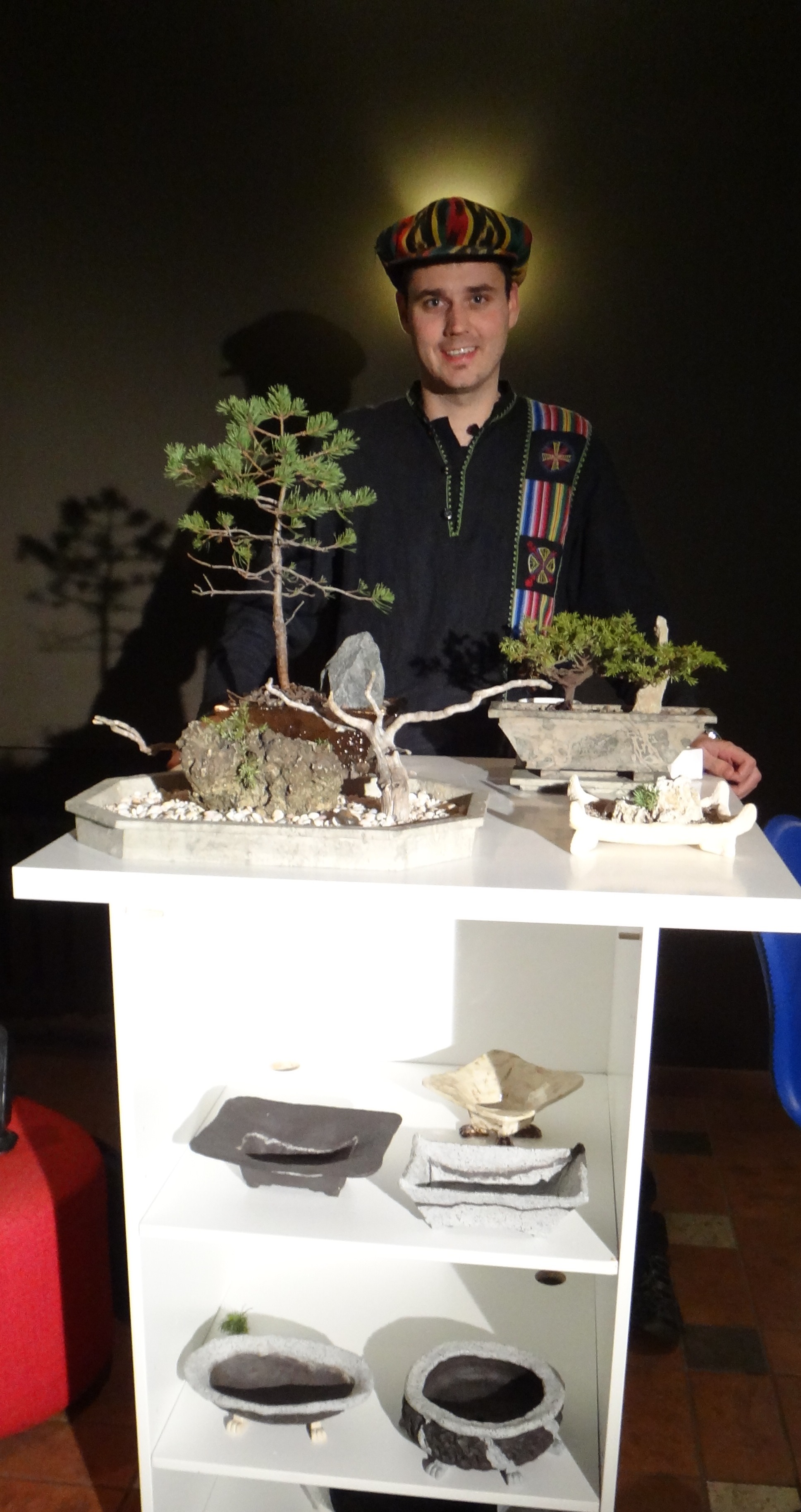 About Estoneland Handcrafted Bonsai And Ikebana Vases